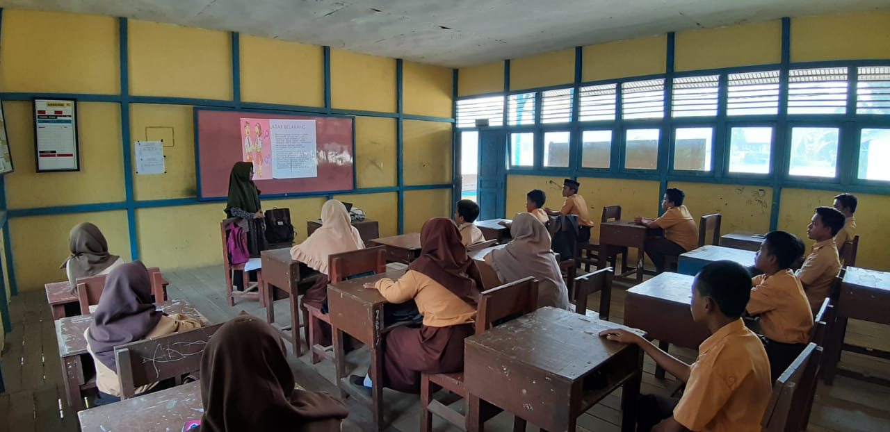 Puskesmas Pengkadan Lakukan Penyuluhan Kesehatan Reproduksi Remaja di SMPN 03 Satu Atap