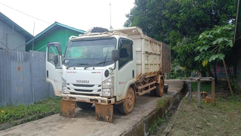 Bumdes Menapar Kelola Dump Truk Untuk Bisnis Awal