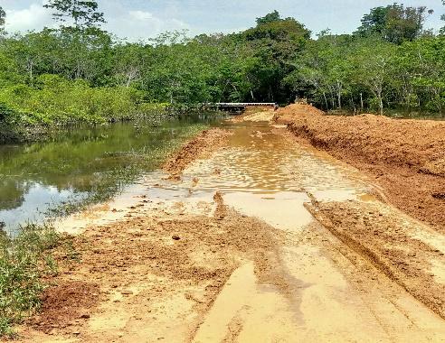 Itensitas Hujan Yang Tinggi , Akses Jalan Menuju  Ruas Jalan Nanga Manday – Nanga Embaloh  Rusak