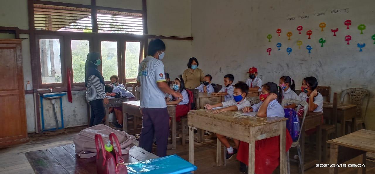 Nakes Puskesmas Bika Laksanakan Edukasi Kesehatan Lingkungan Sekolah di SDN 08 Bika