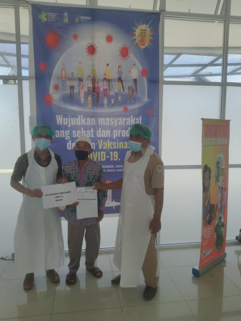 Puskesmas Silat Hulu Berikan Vaksin Tahap 1 Untuk Lintas Sektor Termasuk, Jemaah Haji