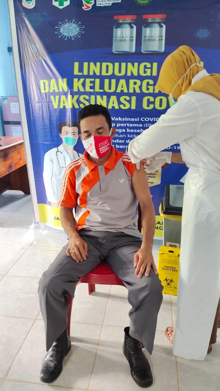 Puskesmas Bunut Hulu Suntik Vaksin Untuk Tenaga Pendidik, Pemuka Agama dan Lansia