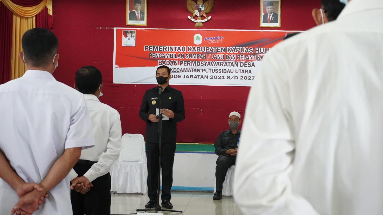 Bupati Kapuas Hulu Lantik Anggota BPD se Kecamatan Putussibau Utara